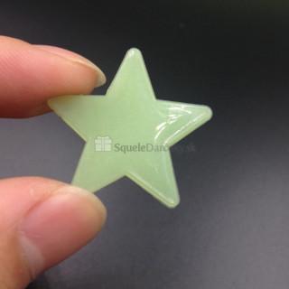 Fosforeskujúce svietiace hviezdičky na stenu alebo strop